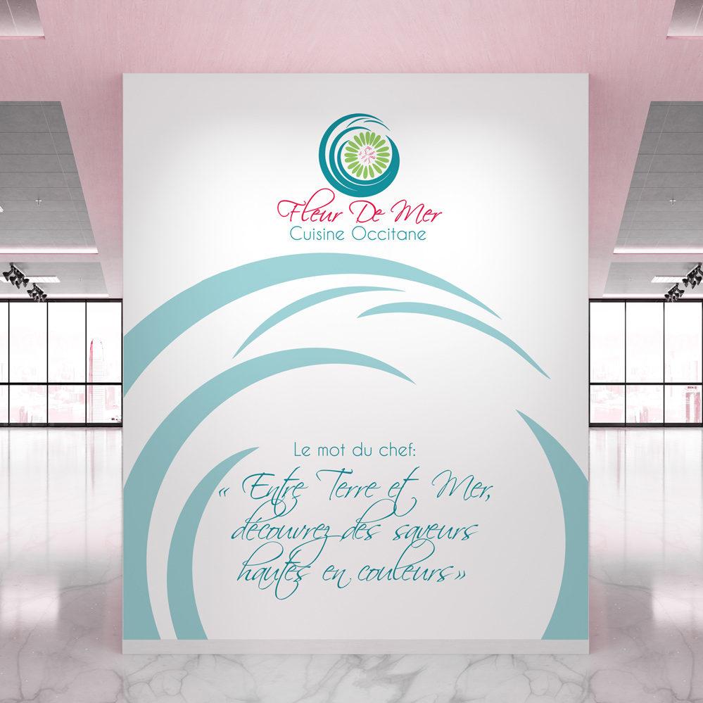 design de logo sur mur d'entrée de salle de restaurant